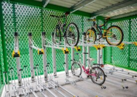 Boc a inaugurat la Cluj primele containere securizate unde îți poți lăsa bicicleta