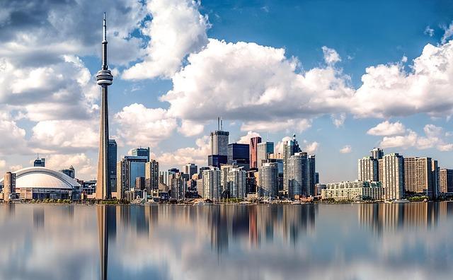 Cel mai mare oraş din Canada intră în izolare de luni