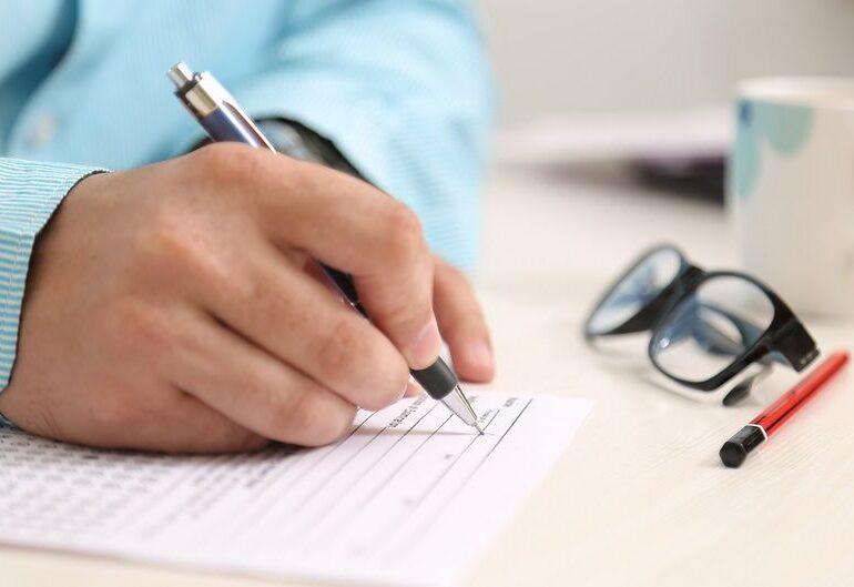 Avocatul Poporului cere ca declarația pe propria răspundere să poată fi scrisă în limba unei minorități, acolo unde ponderea depășeste 20% din locuitori