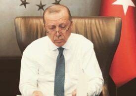 Erdogan l-a demis pe guvernatorul băncii centrale a Turciei după o cădere puternică a lirei