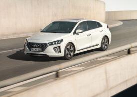 Hyundai Ioniq, cifre mici la pompă și la priză (Video Review Auto)
