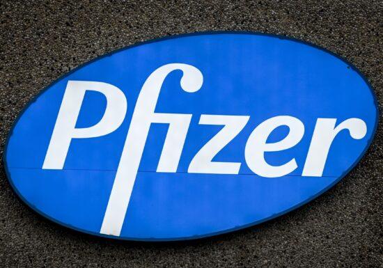 Persoanele cu reacţii alergice puternice sunt sfătuite să nu facă vaccinul Pfizer