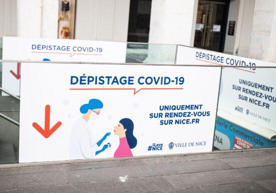 Peste 400 de bolnavi de COVID au murit în ultimele 24 de ore în Franța. Numărul celor din ATI a scăzut