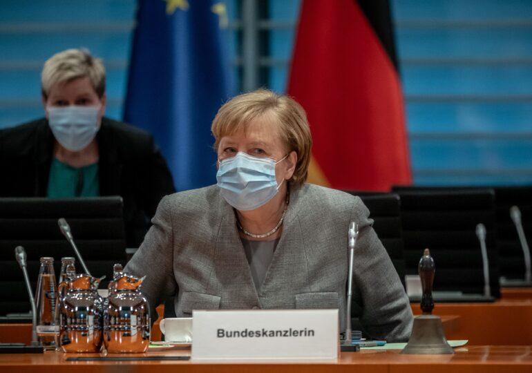Parlamentul german îi acordă lui Merkel puteri sporite pentru gestionarea pandemiei