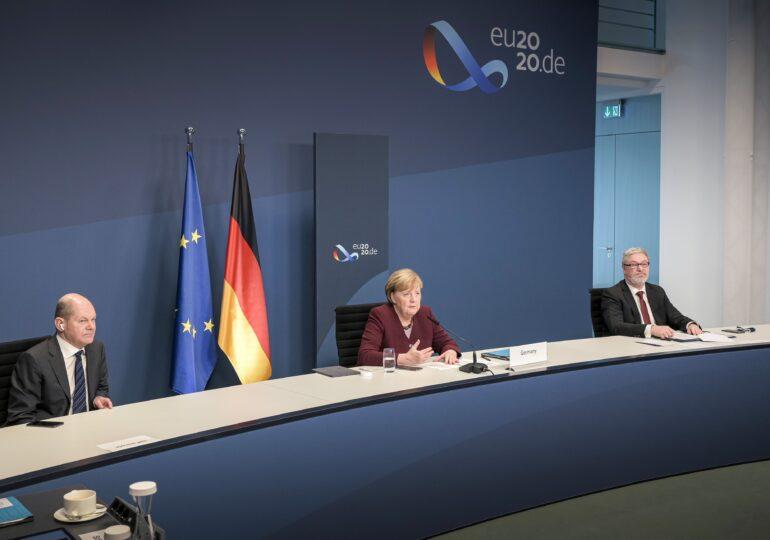 Ultima bătălie a Angelei Merkel, care a devenit aproape sarcastică în Parlament