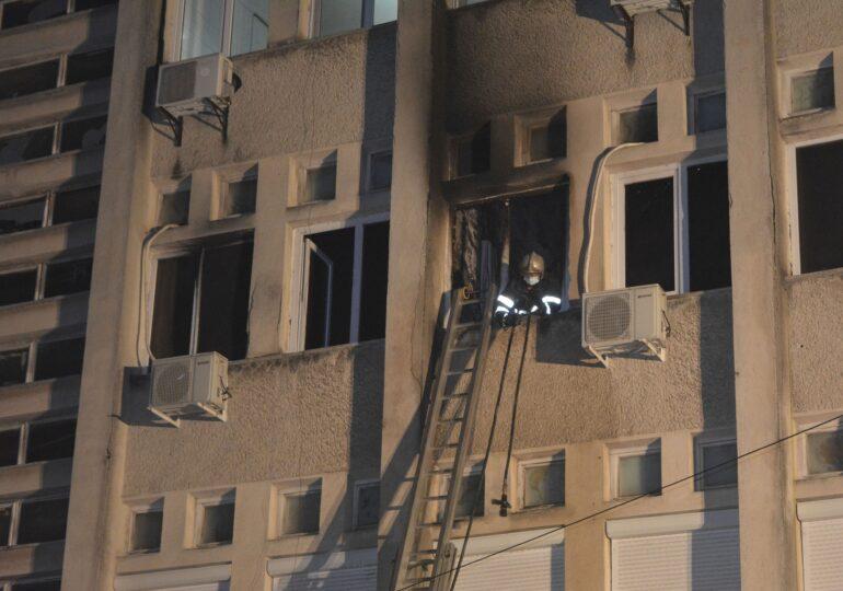 Spitalul din Piatra Neamţ are  autorizaţie de securitate la incendiu dinainte de Revoluţie. Nu există responsabili pentru prevenirea incendiilor şi cineva desemnat să intervină dacă ia foc