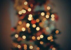 Lumini de Crăciun în formă de penis în oraşul belgian Oudenburg. Primarul dă vina pe bugetul limitat (Video)