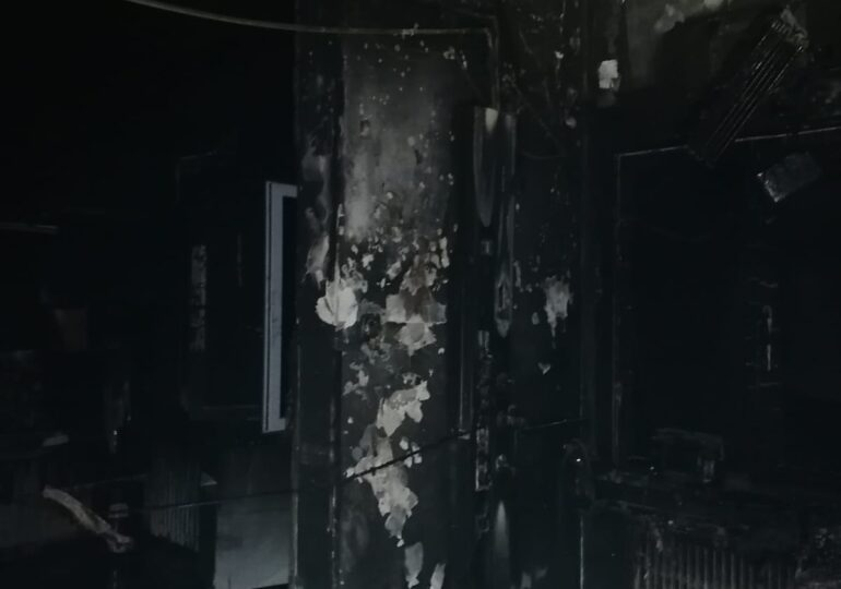 Imagini cutremurătoare din secția ATI a spitalului din Piatra Neamț care a fost mistuită de foc (Galerie foto)