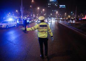 Razii ale Poliției, în prima noapte cu restricții de circulație - sunt oprite mașinile, dar și oamenii de pe străzi