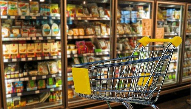 Cumpărături pe ultima sută de metri? Iată programul supermarketurilor de Crăciun 2020