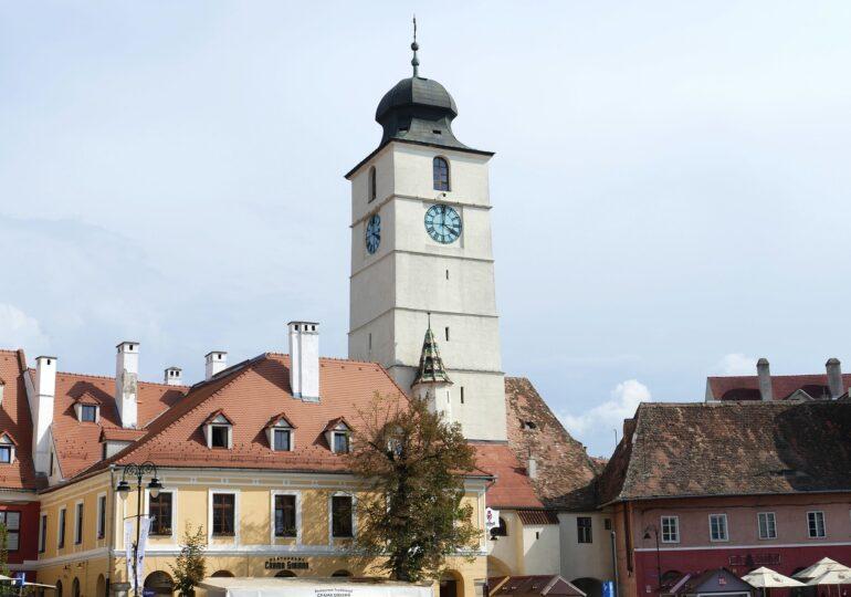 Sibiu rămâne fruntaș în topul județelor, cu 9 cazuri  de COVID la mia de locuitori și niciun loc la ATI. În oraș, indicele se aprope de 14!