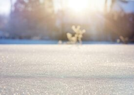 Meteo: Ne așteaptă un weekend rece, cu ninsori pe alocuri