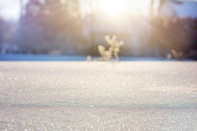 Meteo: Weekend-ul începe cu ninsoare și se încheie cu soare