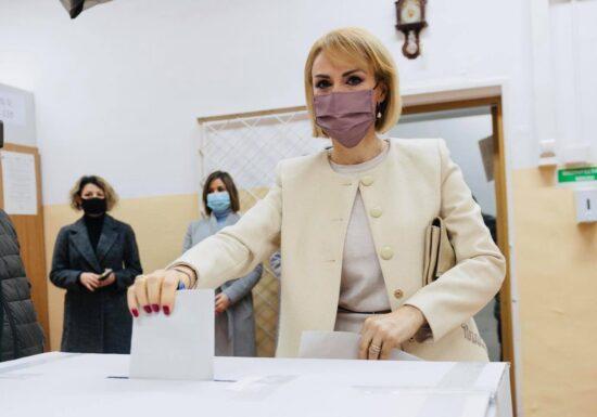 Gabriela Firea, după vot: Nu merg în Parlament pentru imunitate