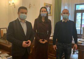 """Primarii PNL și USR-PLUS din București s-au întâlnit să facă """"schimb de experiență"""". Au un mesaj și pentru viitorul guvern"""