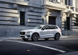 XC60, cel mai vândut model Volvo - Cum se conduce și ce știe să facă (Video Review Auto)