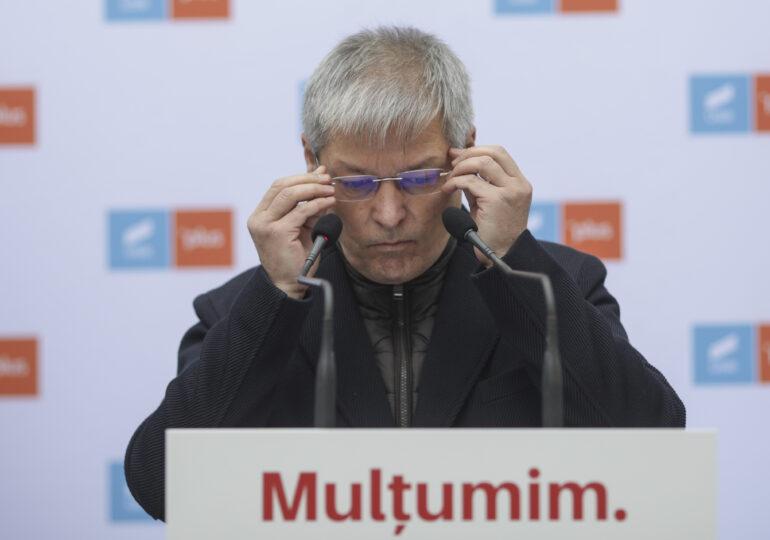 """Cioloș, după ce s-au împărțit portofoliile: Ne-am luat ministere unde reforma este esențială, nu ne ferim de cele considerate grele sau """"cu riscuri"""""""