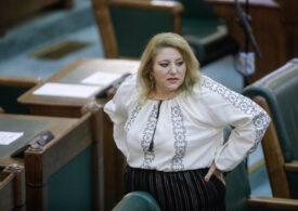 Cine conduce comisiile din Senat: Șoșoacă este șefă la cea despre abuzuri, iar un simpatizant al Mișcării Legionare, tot din AUR, la Comisia pentru Diaspora