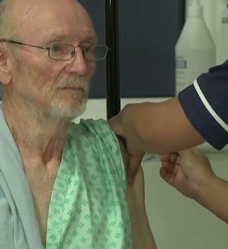William Shakespeare e a doua persoană care s-a vaccinat antiCovid în Marea Britanie (Video)
