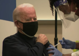 Joe Biden a primit prima doză a vaccinului Pfizer antiCOVID (Video)