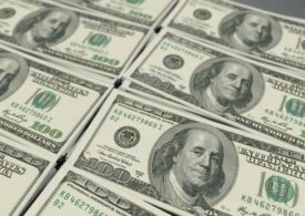 Dolarul a scăzut marţi la cel mai redus nivel din ultimii doi ani şi jumătate: Care e explicația