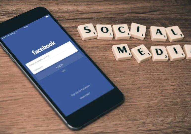 Facebook acuză Apple de practici anticoncurenţiale