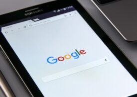Premieră: Google va plăti milioane de dolari pentru știrile preluate de la 120 de surse de presă din Marea Britanie, inclusiv Reuters şi Financial Times