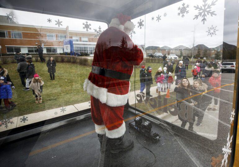 Întâlnirea cu Moş Crăciun, varianta inedită de pandemie din Canada (Foto)