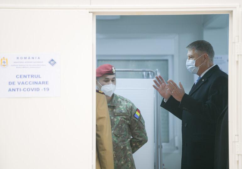 Prima vaccinare anti-COVID în România va fi transmisă live. Iohannis a vrut să fie primul vaccinat, ca sa inspire încredere, dar nu a fost lăsat