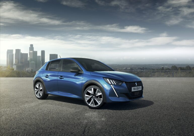 Noul Peugeot 208, mult mai bun decât modelul anterior! E un deliciu să-l conduci prin oraș (Video Review Auto)