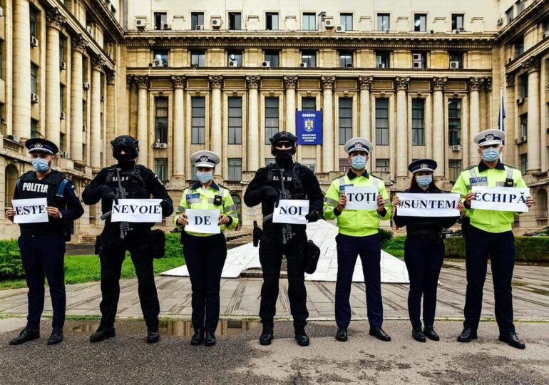 """Polițiștii protestează în toată țara în ultima zi a anului: """"Am rămas fraierii sistemului bugetar!"""" Ministrul Bode le face promisiuni"""