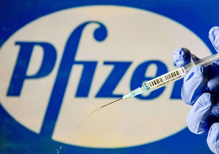 Vaccinul Pfizer nu creşte riscul de probleme cardiovasculare la persoanele peste 75 de ani (studiu)