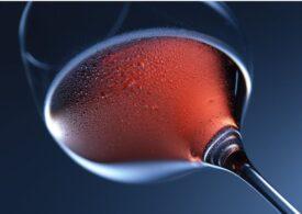 Până și o singură picătură de alcool reduce dimensiunea creierului (studiu)