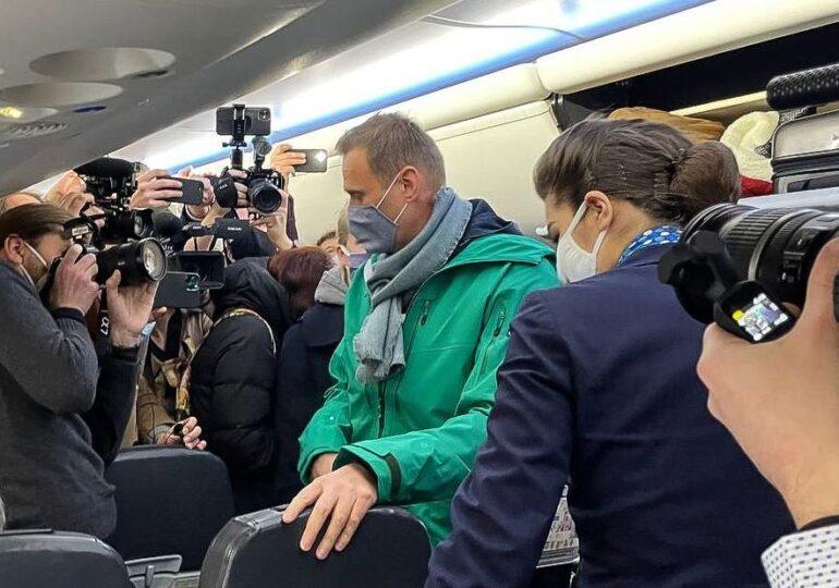 Navalnîi îl provoacă pe Putin și se întoarce la Moscova, punându-și viața în pericol. Cum va reacționa Kremlinul?