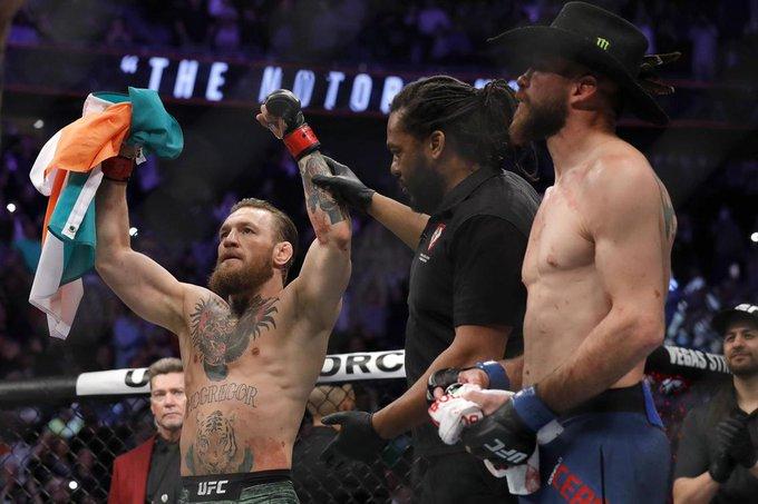 Conor McGregor a fost învins prin KO la revenirea în UFC