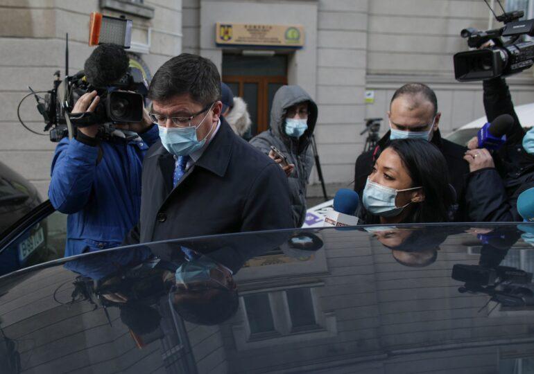 DNA a început urmărirea penală față de fostul ministru Costel Alexe. Ar fi luat șpagă tone de tablă și țeavă