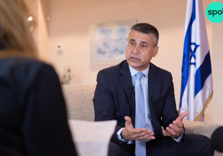 """Despre noua paradigmă de pace din Orientul Mijlociu, impasul în negocierile israelo-palestiniene şi ce lasă Trump în urmă - <span style=""""color:#ff0000;font-size:100%;"""">Interviu video</span> cu ambasadorul Israelului"""
