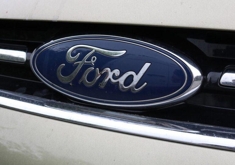 Ford reduce producţia la două fabrici din Germania, din cauza deficitului de cipuri