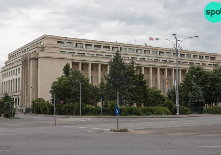 Peste 1,245 milioane de români lucrează în autorități publice și instituții de stat, cei mai mulți în MEN și MAI