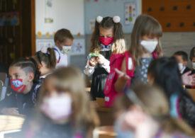 Copiii nu sunt afectați mai grav de tulpina Covid din Marea Britanie, afirmă un medic din cadrul OMS