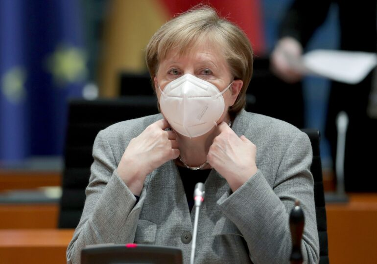 """Germania extinde lockdownul până în 14 februarie și impune folosirea """"măștilor clinice"""" în magazine și autobuze"""