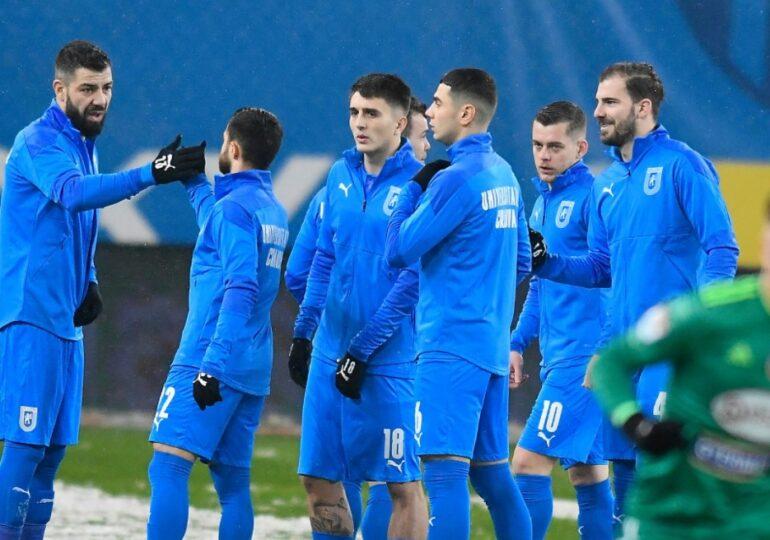 Universitatea Craiova scoate la vânzare trei jucători importanți