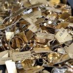 O adevărată comoară din aur, argint și diamante este scoasă la licitație în România, după executarea silită a unei case de amanet