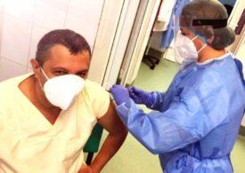 Deputatul USR PLUS Adrian Wiener, care e și medic, s-a vaccinat antiCOVID: Riscul cel mai mare este nevaccinarea