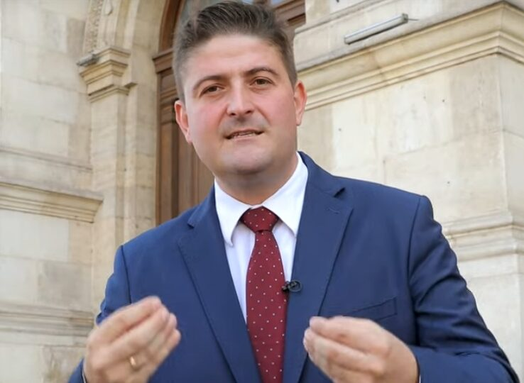 Stelian Ion și-a delegat mare parte din atribuțiile de ministru unui nou secretar de stat, fost avocat la Piperea