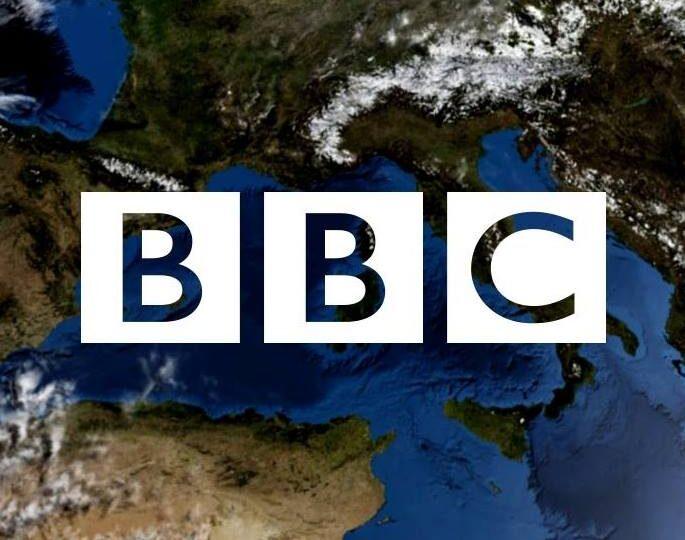 BBC își schimbă președintele. Un fost bancher va încerca sa salveze radioteleviziunea publică britanică