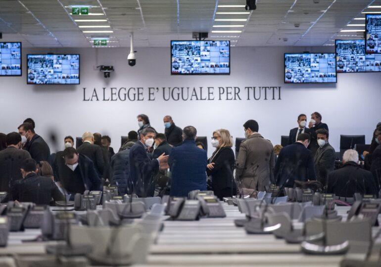 A început cel mai mare proces împotriva mafiei italiene din ultimii 30 de ani. Cine e procurorul care și-a dedicat viața acestui dosar (Galerie foto)
