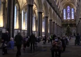 Când Biserica dă o mână de ajutor: Catedrale uriaşe au fost transformate în centre de vaccinare împotriva Covid (Foto&Video)