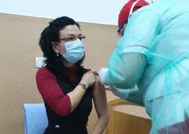 O nouă formă de reacţie adversă la vaccinarea anti-COVID, semnalată în Timiș: Persoana era alergică