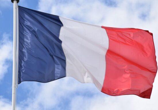 Franța se așteaptă la o creștere a cazurilor de COVID. Apel al ministrului Sănătății, către spitale